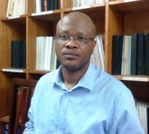 Secrétaire : Professeur Dr Jean-Robert Makulo